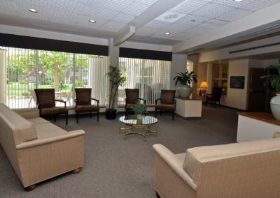 tour_riverpointe_great_room-3