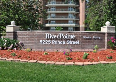 tour_riverpointe_sign-1-1